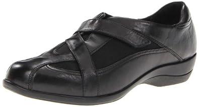 Clarks Women's Showstopper Loafer,Black,5 M US