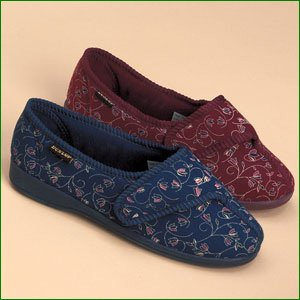 Dunlop 'Bluebell' Ladies Slippers - Size 3, Burgundy