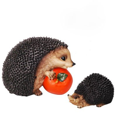 circle-circle-hedgehog-holding-tomato-set-with-motion-activated-sound-resin-garden-ornament-indoor-o