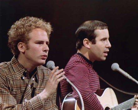 ブロマイド写真★サイモン&ガーファンクルSimon & Garfunkel/ステージで歌う