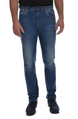 <p>ARMANI JEANS J45 lavaggio medio, jeans cotone 5 tasche uomo, vestibilità slim</p>