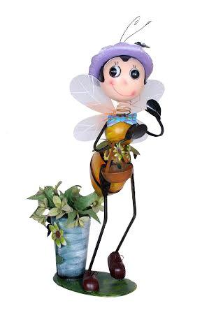 Wonderland Garden Decor Gardne Bee with Pot