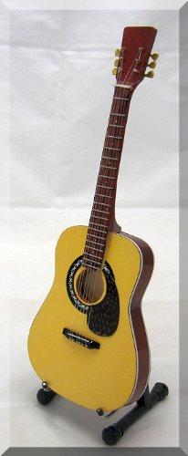doc-watson-miniatur-gitarre-martin