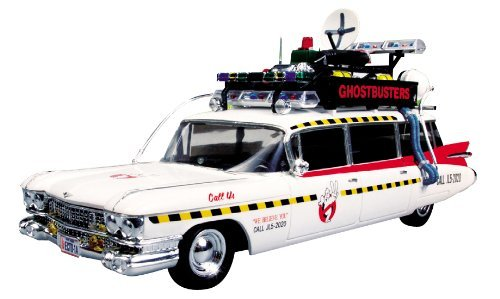 The Ghostbusters' Car From The Classic Film - Round 2 Ghostbusters Ecto-1 1:25 Scale Model Kit