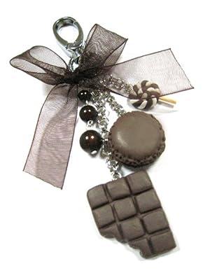 Porte clés ou bijou de sac gourmandises avec perles et noeud marron