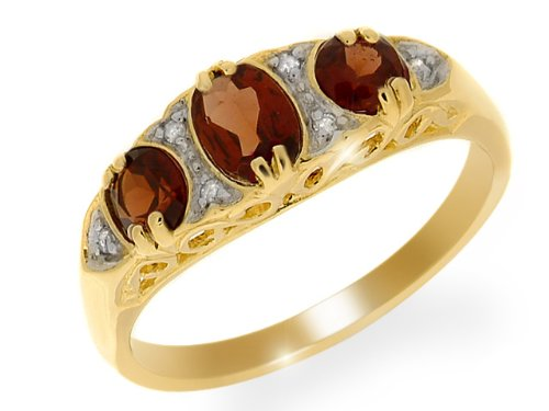 9ct Yellow gold Garnet and Diamond Ring - Size P