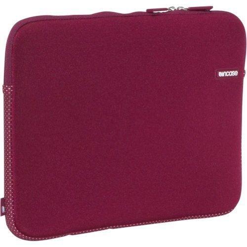 neoprene-sleeve-macbook-pro-17-grape-cl57898