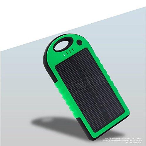 改良版 10000mAh防水/防塵/耐衝撃アウトドア向けソーラー 充電器 ソーラーバッテリー 大容量 iPhone・iPad・スマートフォン(スマホ)対応 LEDライト付 モバイルバッテリー /リチウムイオンポリマーバッテリー 極薄・超軽量 (グリーン)