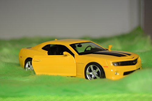 Master Toys 2010 Chevy Camaro Bumblebee Yellow (Yellow Camaro Bumblebee compare prices)