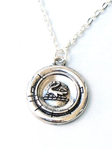 Once-Upon-a-Time-EMMA-SWAN-Necklace-Geekery-By-GlazedBlackCherry