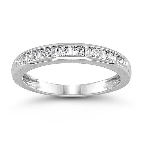 14k White Gold Diamond Anniversary Band (1/4 cttw, H-I Color, I1-I2 Clarity), Size 9