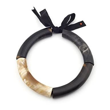 Three Piece Horn Ribbon Tie Collar