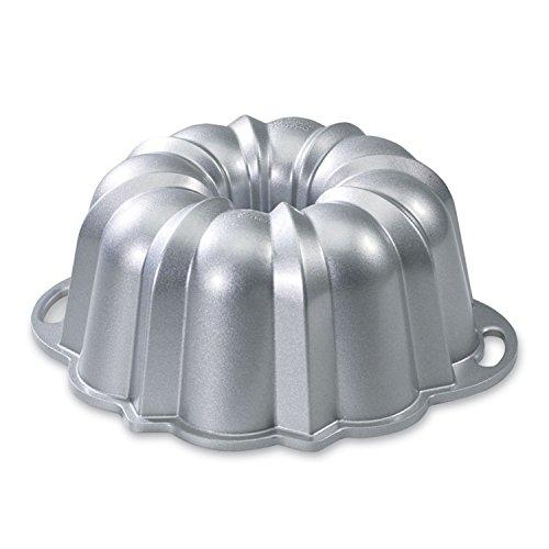 Nordic Ware Platinum Collection Anniversary 10- to 15-Cup Bundt Pan (Bundt Pans compare prices)