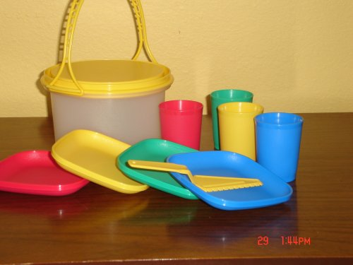 Tupperware Kids Mini Party Set with Mini Cake Taker Plates Tumblers