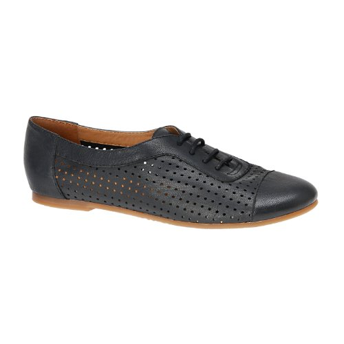 Wow and awe your friends with the Shockwave oxfords from BC Footwear.Suede upper in a dress oxford style with round toeLace-up frontMetal stud accents and stitching detailTextile lining and cushioning insoleFlexible midsoleRubber traction pad outsole