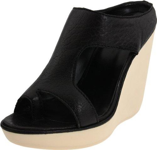 The Shoe Women's Alice Black Wedge Heels J1095