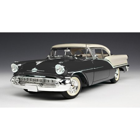 1/18 '57 Oldsmobile 88 Black/White
