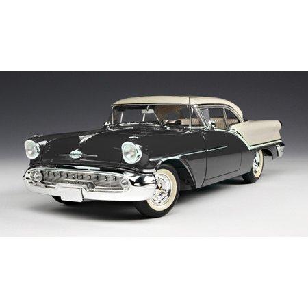 1/18 '57 Oldsmobile 88 Black/White