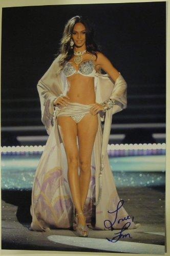 Joan Smalls Autographed Signed 12X18 Photo Coa 'Victoria Secret Model'