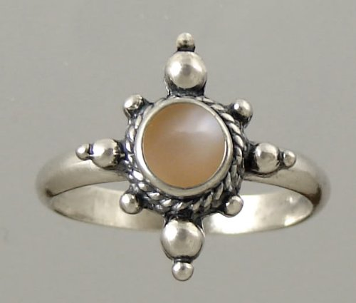 An Enchanting Sterling Silver Victorian Ring Featuring a Genunie Peach Moonstone Gemstone