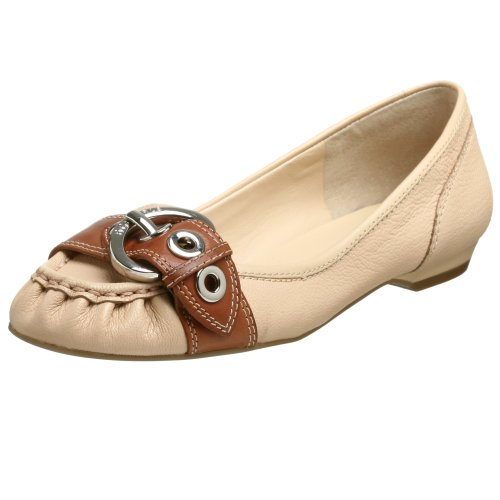 BCBGeneration Women's Dinia Loafer
