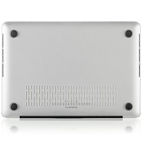 how to clean out macbook pro ports