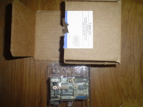 pneumatic-t-stat-reverse-acting-3-15-psi-by-johnson-controls