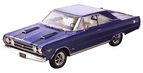 Revell 1:25 '67 Plymouth GTX 2 'N 1