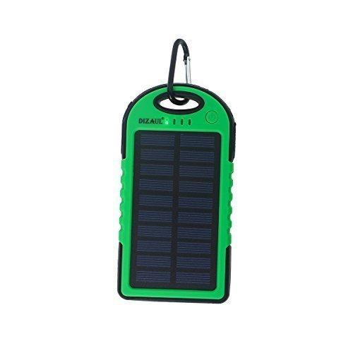 dizauL 5000mAh pannello solare impermeabile antiurto Caricatore portatile del sostegno di batteria Banca di potere esterno per iPhone 6 5S 5C 5 4S 4, iPad Air (Apple adattatori non inclusi), Samsung Galaxy S4, S3, S2, nota 3, nota 2, molti tipi di Android smart Telefoni e pišŽ dispositivi (verde)