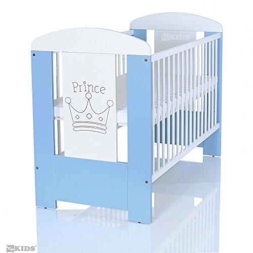 verkauf baby kinderbett prince 120x60 cm weiss blau mit holz gravur und matratze. Black Bedroom Furniture Sets. Home Design Ideas