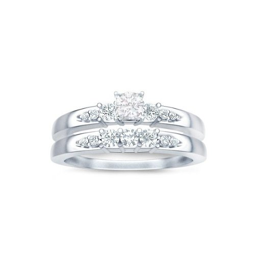 0.58 Carat Round Cut Diamond Bridal Set On 10K White Gold