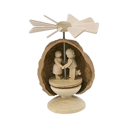 Alexander Taron Home Seasonal Décorative Accessories Dregeno Pyramid – Couple in Nutshell – 2.14″H x 1.5″W x 1.5″D