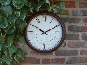 """Antique Rust Outdoor Garden Clock - 38cm (15"""")"""