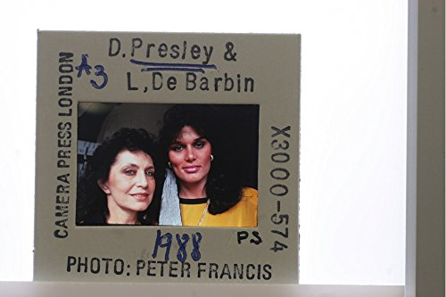 slides-photo-of-elvis-daughter-desiree-presley-with-her-mother-lucy-de-barbin
