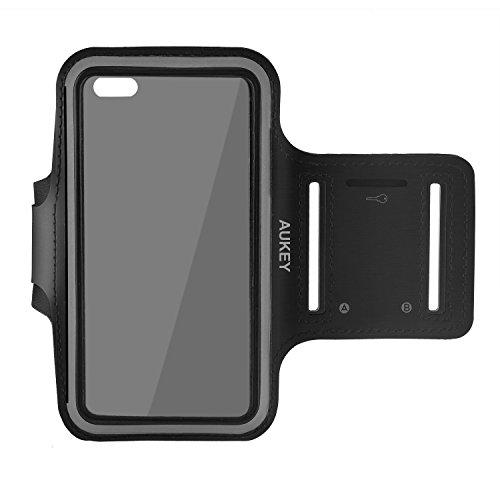 AUKEY Fascia da Braccio Sportiva Universale 5.5'' con Cinturino Regolabile per Smartphone meno di 5.5 pollici come iPhone 6 Plus / 6s Plus / 6 / 6s / 5s / 5c / 5 , Samsung , HTC , Xiaomi , Huawei ecc per Jogging / Palestra / Running ( Nero )