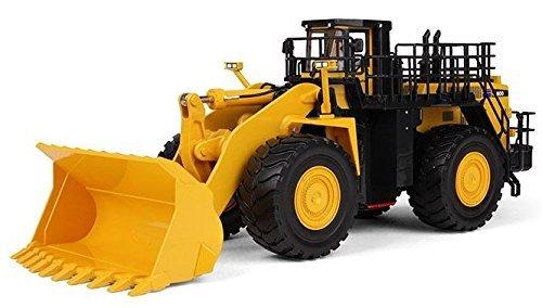 first-gear-1-50-scale-diecast-collectible-komatsu-wa900-3-wheel-loader-50-3301-by-first-gear