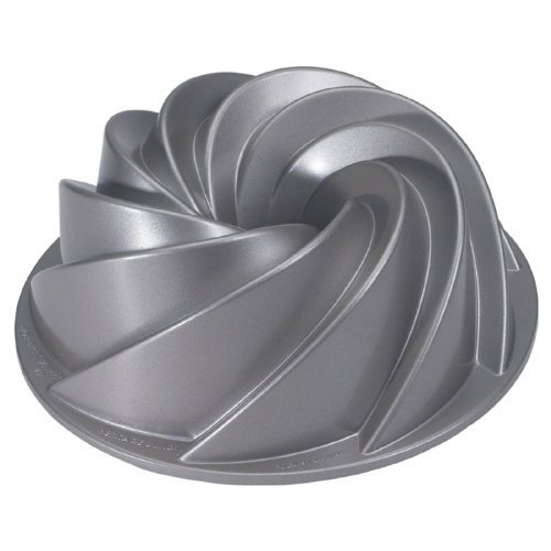 Nordicware Commercial Heritage Bundt Pan Heavy Duty Cast Aluminum. Teflon Non-stick Coating. 10 cup capacity (Nordic Ware Bundt Pan Heritage compare prices)