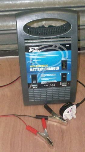 Battery Charger 12 volt 6,5amp car battery charger