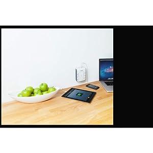Regleta Belkin SurgePlus montable en la pared con 6 salidas y 2 puertos USB.
