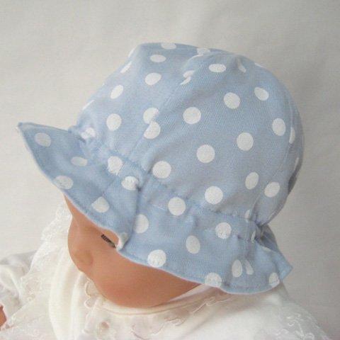 水玉プリント ベビー用 お帽子 サイズ40-44 調節ひも付き サックス