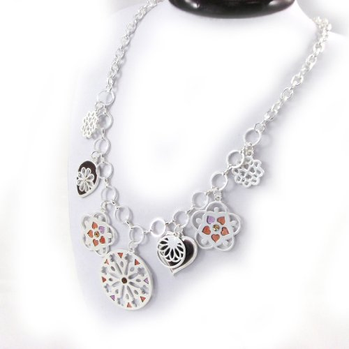 Necklace of 'french touch'