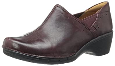 Clarks Women's UN Lory Loafer,Burgundy Leather,5 M US