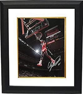 Dominique Wilkins signed Atlanta Hawks Dunking 8x10 Photo Custom Framed