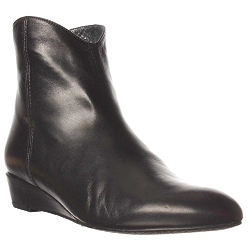 Stuart Weitzman Numodest Ankle Boot - Black, 6 M