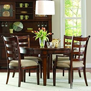 Kitchen tables for small spaces small round dining table for Round kitchen tables for small spaces