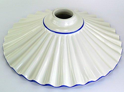 Ricambi vetri liberty per lampade,ricambio in ceramica bordato blu,paralume per lampade vf8 Dimensioni: Altezza 9cm,diametro piatto 28cm,diametro esterno imboccatura 5cm