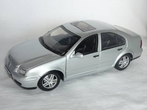 VW VOLKSWAGEN BORA 2002 SILBER
