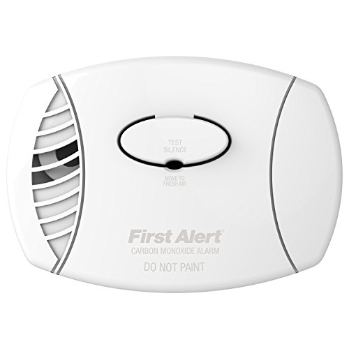 First Alert CO605 Carbon Monoxide Plug-In Alarm with Battery Backup (Plugin Carbon Monoxide Detector compare prices)