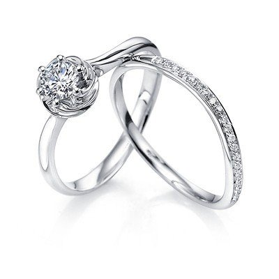 0.58 Carat Bridal Set Round Cut Diamond on 14K White gold