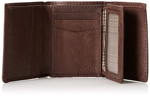 05. Fossil Men's Ingram Extra Capacity Trifold Wallet